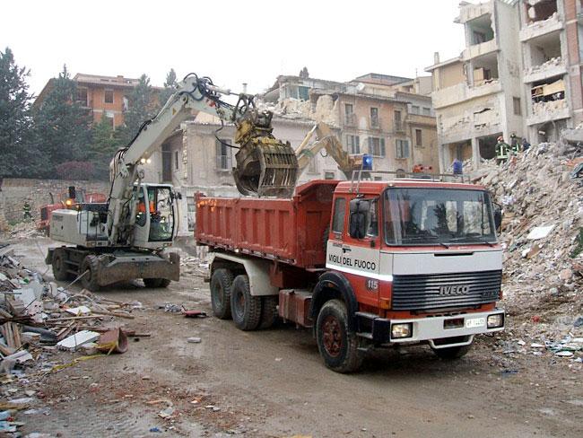 Pronto intervento per demolizione edifici a rischio crollo